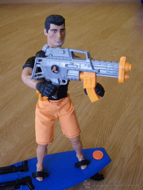 Action man: MUÑECO ACTION MAN - NO GEYPERMAN - AQUA BLASTER - HASBRO 1998 - COMPLETO CON LA TABLA DE SURF Y ARMA - Foto 2 - 27442163