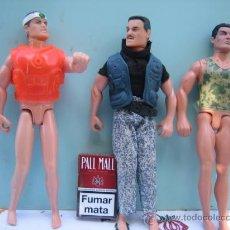 Action man: TRES FIGURAS --UNA 1996 HASBRO INTERNATIONAL -----PLASTICO Y GOMA. Lote 27289022