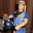 Action man: GUAPO ACTION MAN CON VARIOS ACCESORIOS,PUÑAL,CASCO,MANO LANZADERA,PATINES,PRISMATICOS-HASBRO 1997 . Lote 35581805