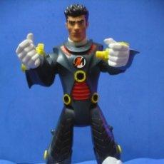 Action man: ACTION MAN CON COLORES BLANCO Y NARANJA.. Lote 53054419