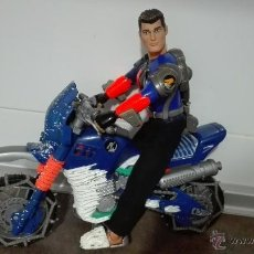 Action man: LOTE - ACTION MAN COMPUESTO POR (ACTION MAN + MOTO ACTION MAN DE TRAIL/CARRETERA AZUL).. Lote 53640796