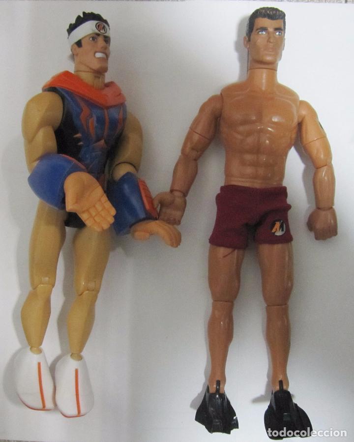 LOTE DE 2 ACTION MAN. NADADOR 1992 Y ARTES MARCIALES 2006. (Juguetes - Figuras de Acción - Action Man)