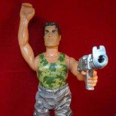 Action man: LOS LOTES DE LA CLANDESTINA - MUÑECO ACTION MAN - AÑO 1996 - PANTALÓN CAMUFLAJE - ARMA - BOTAS -. Lote 75955855