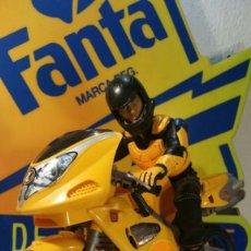 Action man: MUÑECO ACTION MAN. HASBRO INTERNATIONAL INC MOTORISTA CON MOTO CARRETERA 1998. Lote 127970575