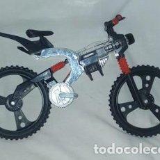 Action man: BICICLETA O MOTO DE ACTION MAN, CON EL MANILLAR ROTO. Lote 155434258