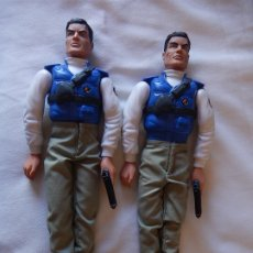 Action man: ACTION MAN. DOS MUÑECOS. POLICÍA. HASBRO INTERNATIONAL INC. 1996.. Lote 172391964