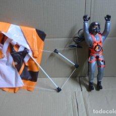 Action man: * ANTIGUO MUÑECO FIGURA DE ACTION MAN PARACAIDISTA, AÑOS 90, ORIGINAL. ZX. Lote 187395958