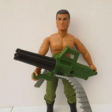 Action man: ACTION MAN - HASBRO 1993 - Y AMETRALLADORA CON LUZ Y SONIDO .. Lote 200832431