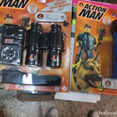 Action man: 2 BLISTER ACTION MAN CRIME BUSTER LINTERNA 4 COLORES Y NIGHT MISSION ( AÑO 1997 )HASBRO. Lote 208372632
