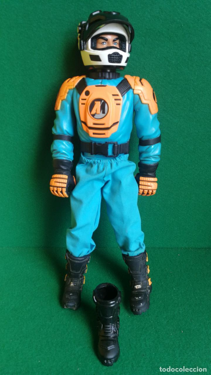 ACTION MAN HASBRO - AM 1999 - PILOTO - CASCO FUNCIONANDO - BUENO (Juguetes - Figuras de Acción - Action Man)