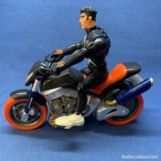 Action man: MOTO ACTION MAN TURBO CON SONIDO Y MOVIMIENTOS DE PISTONES + ACTION MAN MOTORISTA OCTANE. Lote 220401992