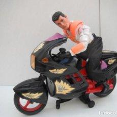 Action man: ACTION MAN MOTORISTA - HASBRO 1999 + MOTO NO ORIGINAL DE ACTION MAN.. Lote 220723050