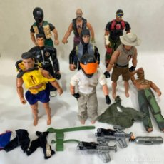 Action man: LOTE 9 ACTION MAN + TRAJES + COMPLEMENTOS. Lote 270527268