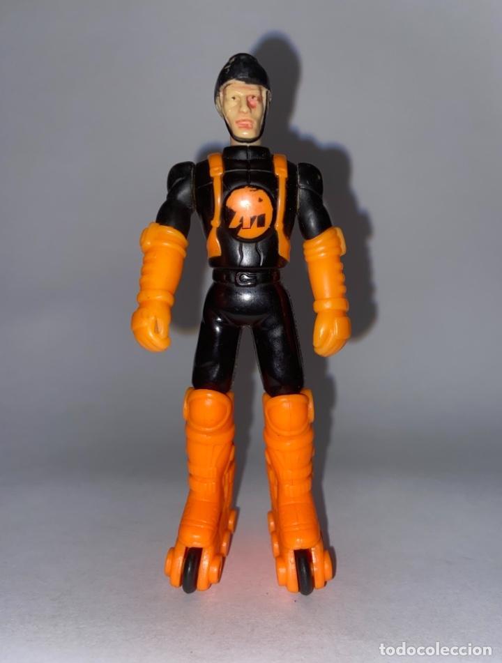 FIGURA DE PVC ARTICULABLE ROLLER MAN - HASBRO ACTION MAN GOMA (Juguetes - Figuras de Acción - Action Man)