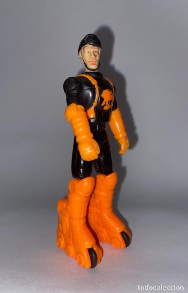 Action man: FIGURA DE PVC ARTICULABLE ROLLER MAN - HASBRO ACTION MAN GOMA - Foto 2 - 289590063