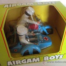 Airgam Boys: AIRGAM BOYS, MOTO AMBULANCIA CON SIDECAR, REF 244, EN CAJA. CC. Lote 35019054