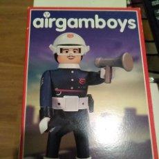 Airgam Boys: AIRGAMBOYS BOYS POLICÍA EN CAJA A ESTRENAR. Lote 108413647