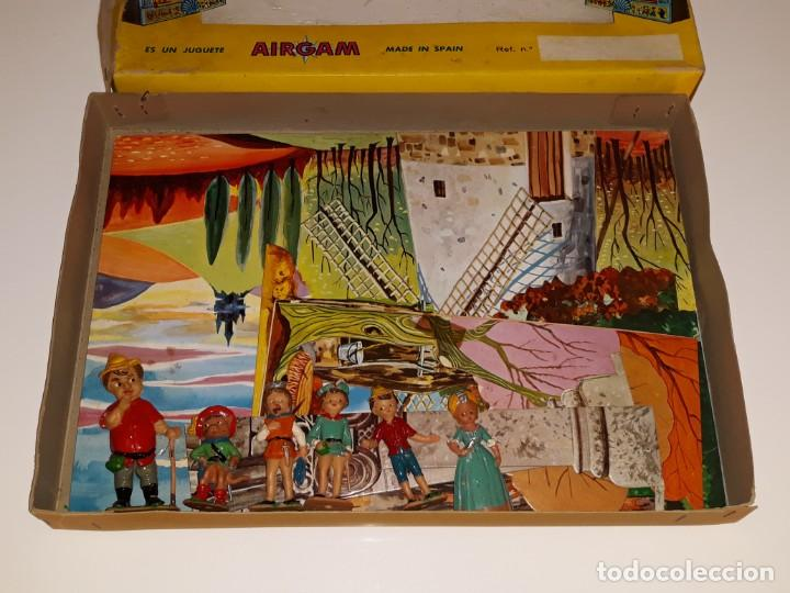 Airgam Boys: AIRGAM AIRGAMBOYS : ANTIGUA CAJA FIGURAS TEATRO AIRGAM - OBRA EL GATO CON BOTAS REF. 908 - AÑO 1969 - Foto 2 - 133038510
