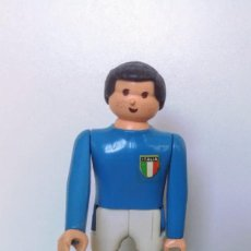 Airgam Boys: ANTIGUA FIGURA JUGADOR DE FUTBOL - ITALIA - SERIE MUNDIAL 82 - AIRGAM BOYS - CON SU PEANA - EN MUY B. Lote 146263674