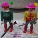 Airgam Boys: AIRGAM BOYS LOTE 2 MOSQUETEROS CON SOMBREROS ROSAS Y ARMAS, AIRGAMBOYS AÑOS 70S. Lote 165877994