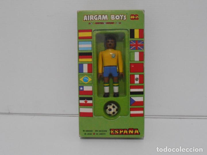AIRGAM BOYS FUTBOLISTA EN CAJA ORIGINAL SIN JUGAR, BRASIL REF 09, AIRGAMBOYS, MADE IN SPAIN (Juguetes - Figuras de Acción - Airgam Boys)