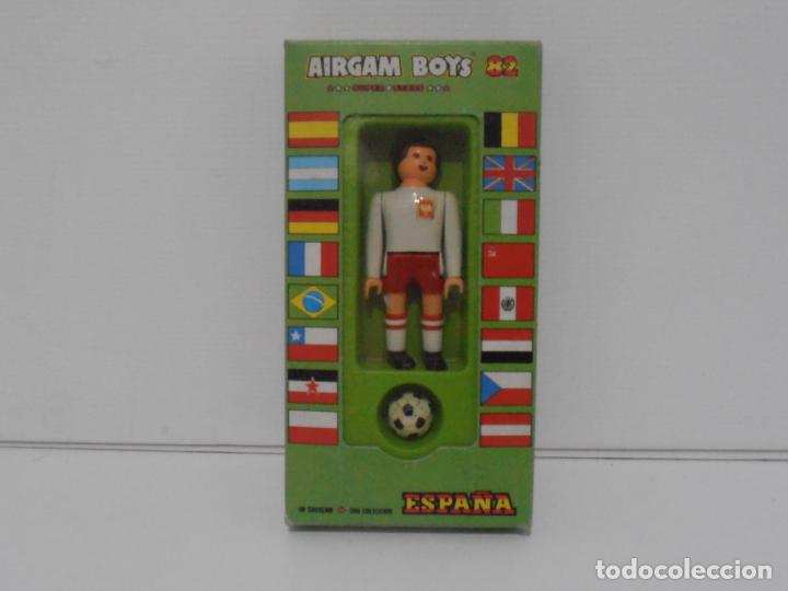 AIRGAM BOYS FUTBOLISTA EN CAJA ORIGINAL SIN JUGAR, POLONIA REF 15, AIRGAMBOYS, MADE IN SPAIN (Juguetes - Figuras de Acción - Airgam Boys)