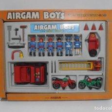 Airgam Boys: AIRGAM BOYS, CAJA REF 00271, 4 BOMBEROS, 2 POLICIAS CON JEEP Y MOTOS AIRGAMBOYS, SERIE BOMBEROS. Lote 194186236