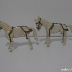 Airgam Boys: LOTE DOS CABALLOS BLANCOS ROMANOS DE AIRGAMBOYS, AIRGAM AÑOS 70, MADE IN SPAIN. Lote 207268430