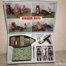 Airgam Boys: CAJA AIRGAM BOYS (REF: 17202) SOLDADOS ALEMANES CON TIENDA DE CAMPAÑA Y BARCA (MUY BUEN ESTADO). Lote 210040123