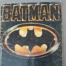 Coleccionismo Álbum: ALBUM BATMAN COMPLETO PORTADA CASTIGADA Y FALTA CONTRAPORTADA PARA APROVECHAR CROMOS. Lote 29498126