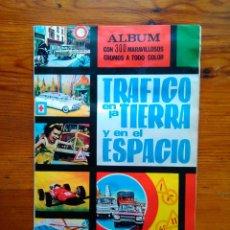 Coleccionismo Álbum: ALBUM TRÁFICO EN LA TIERRA Y EN EL ESPACIO, AÑOS 60. COMPLETO, 300 CROMOS. EN MUY BUEN ESTADO. Lote 49579378