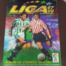 Coleccionismo Álbum: ALBUM COMPLETO DE LA LIGA 97 / 98. EDICIONES ESTE. 47 DOBLES Y COLOCAS. ULTIMOS FICHAJES. VER. Lote 51042877