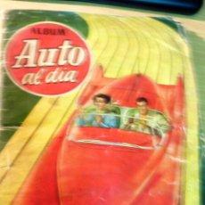 Coleccionismo Álbum: DIFÍCIL ALBUM CROMOS AUTO AL DIA . MODELOS AUTOMOVILES COMPLETO 208 CROMOS AÑO 1954. Lote 51732611