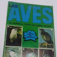 Coleccionismo Álbum: ALBUM LAS AVES N. 2. 32 CROMOS A COLOR CON POSTER CENTRAL. AÑO 1980. COMPLETO.. Lote 88932288