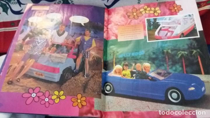 Coleccionismo Álbum: PANINI ALBUM BARBIE TM COMPLETO A FALTA DE 7 CROMOS CON POSTER CENTRAL. LEER - Foto 12 - 107823375