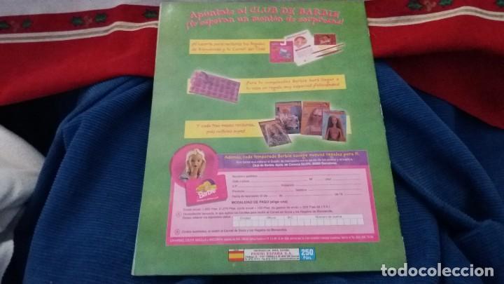 Coleccionismo Álbum: PANINI ALBUM BARBIE HOLIDAY COMPLETO A FALTA DE 14 CROMOS. LEER - Foto 2 - 107824695