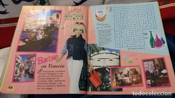 Coleccionismo Álbum: PANINI ALBUM BARBIE HOLIDAY COMPLETO A FALTA DE 14 CROMOS. LEER - Foto 20 - 107824695