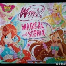 Coleccionismo Álbum: WINX CLUB. MAGICAL SOPHIE. PANINI 2012. COLECCIÓN COMPLETA. CROMOS PEGADOS. Lote 109728059