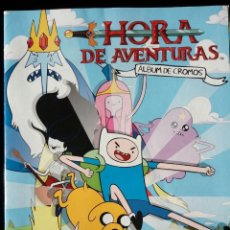 Coleccionismo Álbum: HORA DE AVENTURAS. PANINI 2012. COLECCIÓN COMPLETA. CROMOS PEGADOS. Lote 110016563