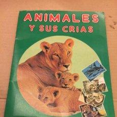 Coleccionismo Álbum: PRECIOSO ALBUM DE CROMOS COMPLETO - ANIMALES Y SUS CRIAS, EDIC. FANS COLECCION. VER FOTOS. Lote 131078128
