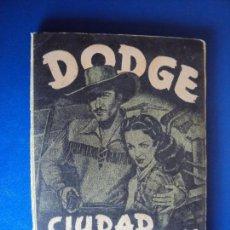 Coleccionismo Álbum: (AL-180301)ALBUM DE CROMOS DODGE CIUDAD SIN LEY - EDT. FHER - 180 CROMOS - 1949 - COMPLETO.. Lote 115208035