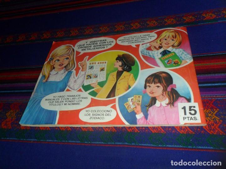 Coleccionismo Álbum: TRAJES TÍPICOS DE TODO EL MUNDO COMPLETO 216 CROMOS MAGA 1977. REGALO MUNDO EN GUERRA VACÍO PLANCHA. - Foto 3 - 118237167