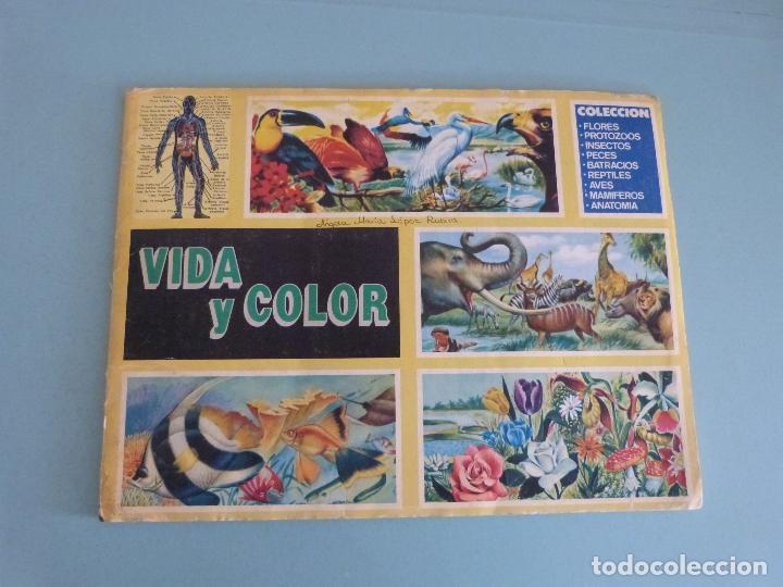 ÁLBUM COMPLETO DE VIDA Y COLOR AÑO 1992 DE COMICROMO VER BIEN FOTOS (Coleccionismo - Cromos y Álbumes - Álbumes Completos)