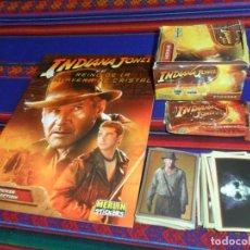 Coleccionismo Álbum: INDIANA JONES Y EL REINO DE LA CALAVERA DE CRISTAL COMPLETO Y SUELTA, ÁLBUM VACÍO, SOBRE Y CAJA. Lote 133003994