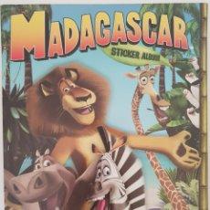 Coleccionismo Álbum: ALBUM COMPLETO PANINI MADAGASCAR. Lote 155215750