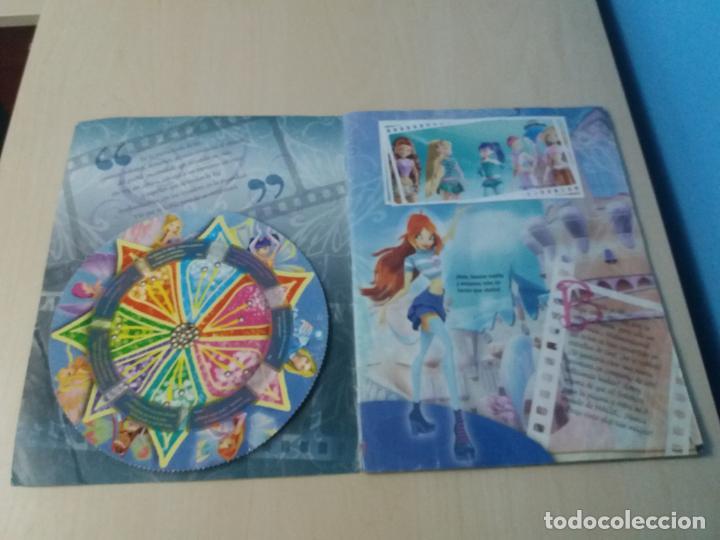 Coleccionismo Álbum: ALBUM COMPLETO WINX EL SECRETO DEL REINO PERDIDO AÑO 2003 PANINI CON POSTER - 2 cromos - Foto 2 - 157996430