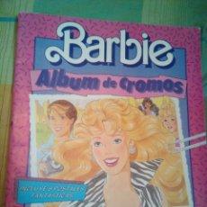 Coleccionismo Álbum: ÀLBUM CROMOS BARBIE COMPLETO. Lote 173903722