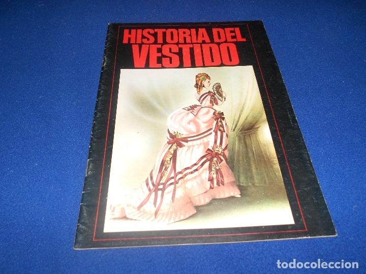 ALBUM DE CROMOS VACÍO HISTORIA DEL VESTIDO, DE DIFUSORA DE CULTURA, PLANCHA (Coleccionismo - Cromos y Álbumes - Álbumes Completos)