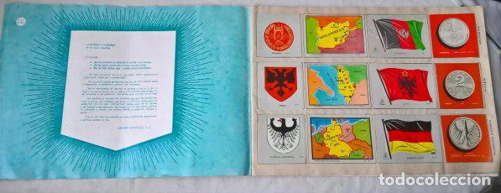 Coleccionismo Álbum: COLECCION UNIVERSAL LIBRO DE BANDERAS, ESCUDOS, MONEDAS Y MAPAS . COMPLETO - Foto 2 - 194356251