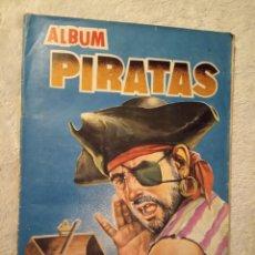 Coleccionismo Álbum: ALBUM PIRATAS EDIGESA RUIZ ROMERO CASI COMPLETO FALTA SOLO UN CROMO BUEN ESTADO. Lote 195373196